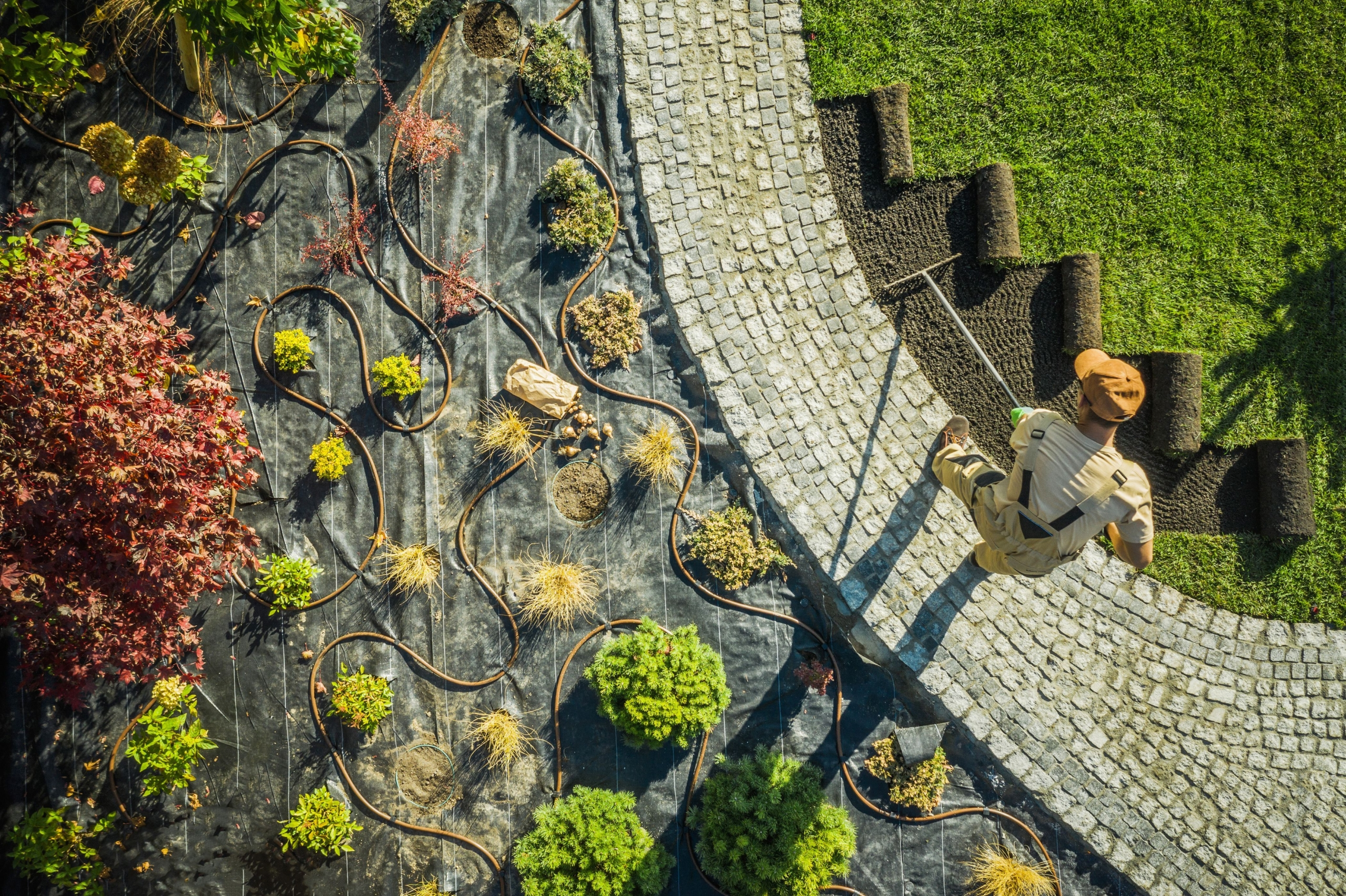 What PPEs are required for landscaping work?